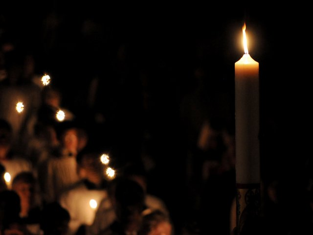 Easter-Vigil-candle (1)